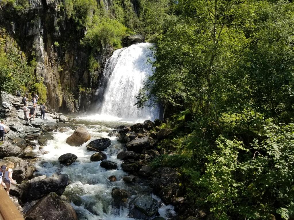 Водопад Корбу.jpg